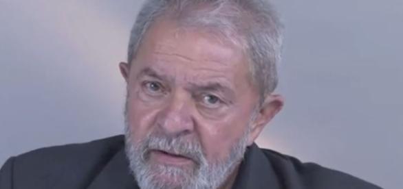 Lula gravou um vídeo para desabafar (Foto: Reprodução/Facebook)