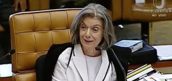 Cármen Lúcia, presidente do STF, não concorda com reajustes do Judiciário