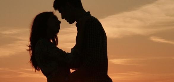 Fazer amor traz vários benefícios para o casal.