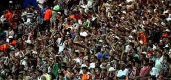 Ingressos para Fluminense e Vitória começam a ser vendidos na terça (Foto: Arquivo)