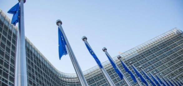 Les 28 de l'UE dans l'attente d'un oui de la Wallonie au Ceta ... - liberation.fr