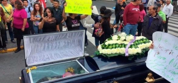 O assassinato de Paola Ledezma, que permanece impune, leva a comunidade trans mexicana a protestar e a clamar por justiça.