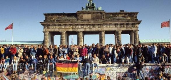 O Muro de Berlim foi demolido em 1989