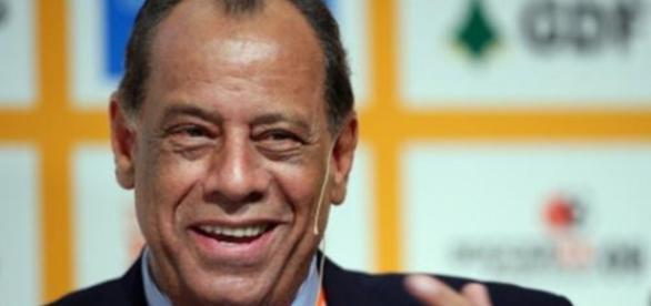 Carlos Alberto Torres ficou muito triste com a morte do irmão gêmeo