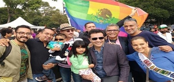 Família Nájera Morales entre amigos.
