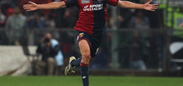 Pavoletti comemora o último gol da partida