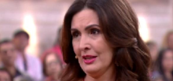 Fátima Bernardes chora em programa