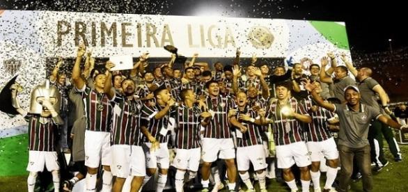 Fluminense comemora título da Primeira Liga em 2016 (Foto: Torcedores.com)