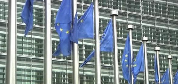 Tensione sulla Manovra, in arrivo da Bruxelles lettera di chiarimenti - virgilio.it