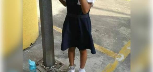 A mãe castigou a filha por ela não ter ido à aula