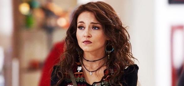 Angelique Boyer chora ao concluir gravações de Tres Veces Ana.