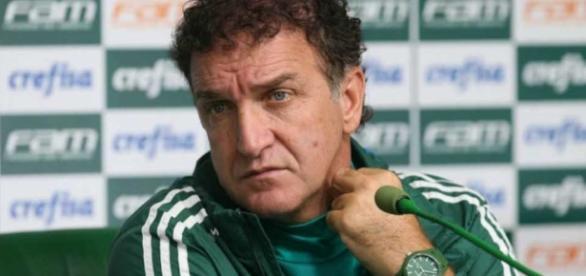 Cuca ainda não definiu o goleiro para a partida contra o Santos
