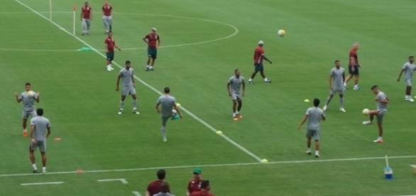 Flu treina no Maracanã, local de jogo de sexta, contra o Vitória (Foto: Hector Werlang/Globoesporte)