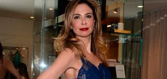 Luciana Gimenez faz uso de terapias alternativas para enfrentar a doença