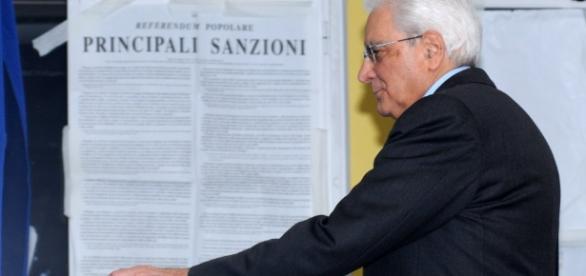 Referendum, il presidente della Repubblica al seggio - 1 di 1 ... - repubblica.it