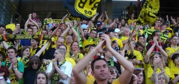 Dortmund vs Schalke [image: upload.wikimedia.org]