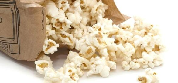 The Case Against Microwave Popcorn | SafeBee - safebee.com