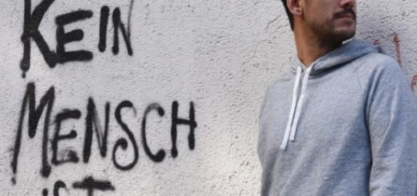 Berufsverbot für Kommunist Kerem Schamberger.