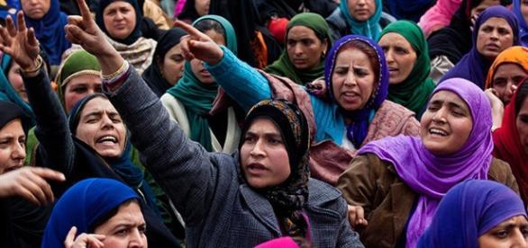 Donne musulmane e velo islamico cosa c 39 da sapere per - Perche le donne musulmane portano il velo ...