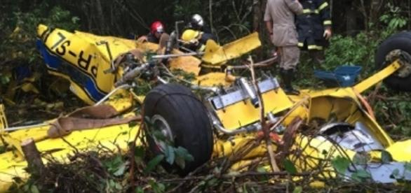 Queda de avião mata casal carbonizado