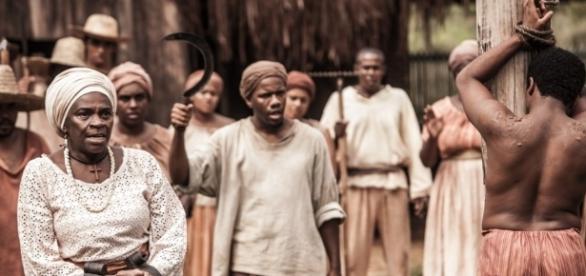 Sapião vai levar chicotadas em Escrava Mãe