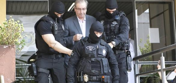 Temer quer mostrar que prisão de Cunha não vai paralisar governo ... - com.br