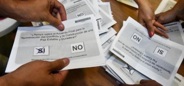 Colombia rechaza el acuerdo de paz con las FARC - lavanguardia.com