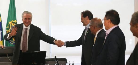 Michel Temer discutirá reforma da previdência com sindicalistas