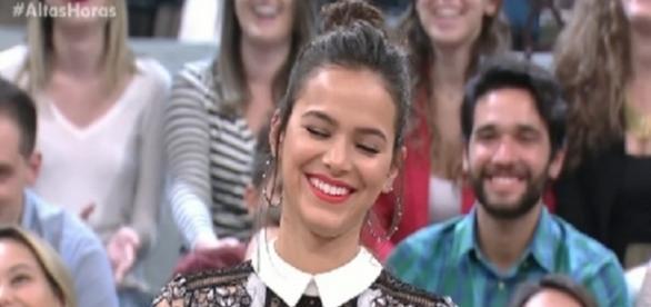 A reação de Bruna Marquezine com a cantada no programa Altas Horas - Reprodução/Internet