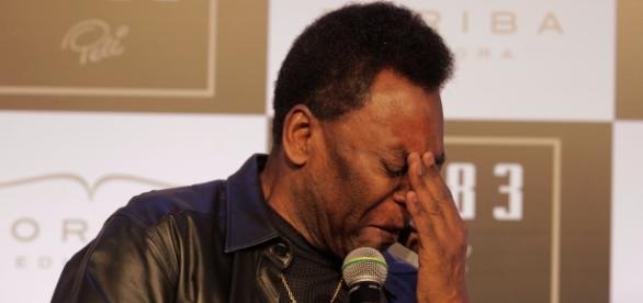 Brasileiros lamentam por Pelé não conseguir mais andar