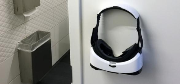 Elon Musks Toilette im Space X Büro ist schon ausgerüstet!