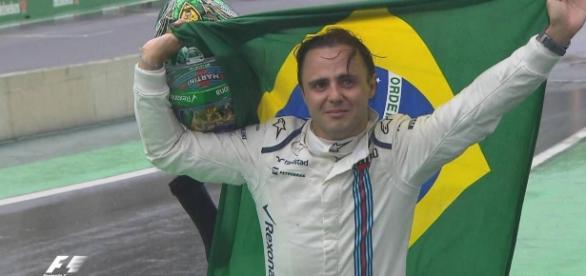 Felipe Massa en su despedida del Gran Premio de Brasil