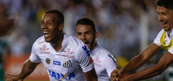 Gol de Copete colocou o alvinegro na terceira colocação (Foto: Gazeta Press)