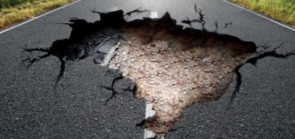 Malha rodoviária do Brasil está aquém das condições de rodagem, conforme pesquisa da CNT