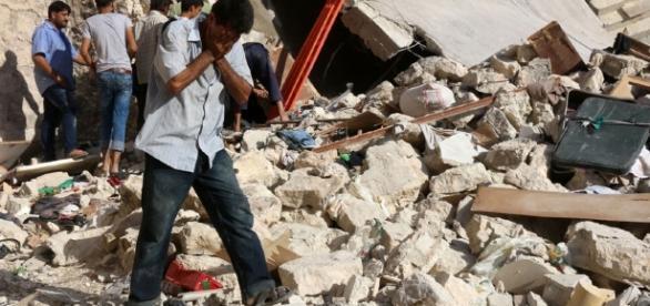 Expresso   Pelo menos 2766 civis mortos por ataques aéreos russos ... - sapo.pt