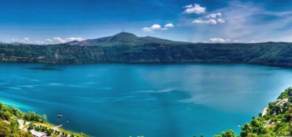 Il cratere del lago di Castel Gandolfo.
