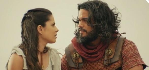 Josué avisa a todos que se casará com Aruna e Mara critica