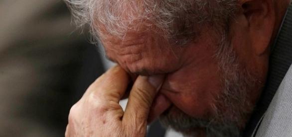 Luiz Inácio Lula da Silva é acusado de omissão de bens em Punta Del Este, no Uruguai.