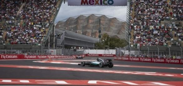 Mexico GP qualifying: Nico Rosberg heads Mercedes front-row ... - benzinsider.com
