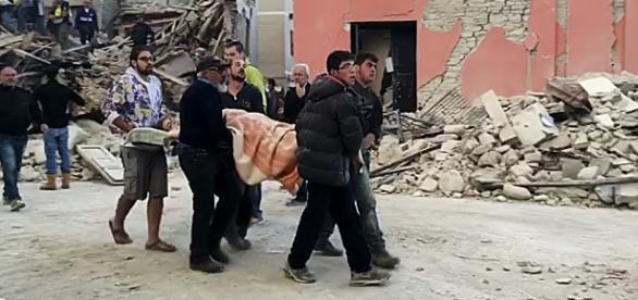 ROMÂN găsit MORT în maşina unde a dormit după CUTREMURUL din ITALIA