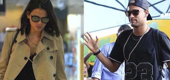 Bruna e Neymar aparecem usando colares semelhantes! (Foto: Agnews - Lucas Figueiredo/CBF)