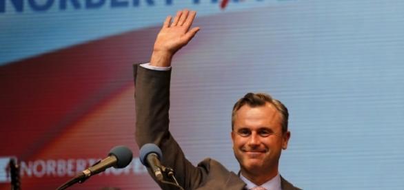 Il candidato presidente dell'ultradestra austriaca, Norbert Hofer
