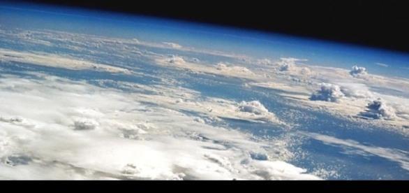 Imagem da atmosfera terrestre vista do espaço