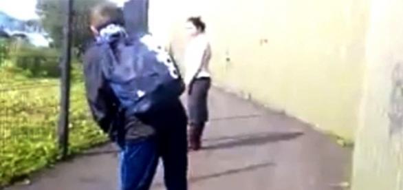 Mamele copiilor care au aruncat cu pietre în românca din Marea Britanie și-au cerut scuze