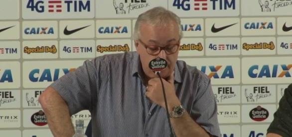 O Corinthians continua procurando um novo treinador para a equipe
