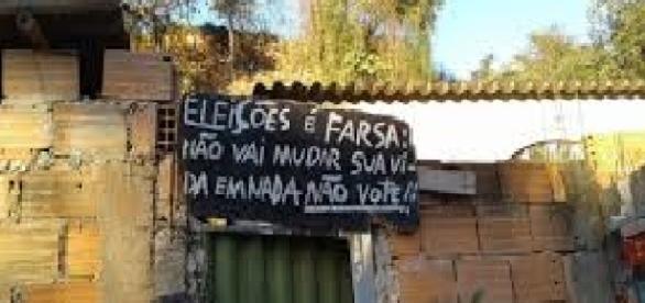 Percepção popular do circo eleitoral pode ser vista nas urnas