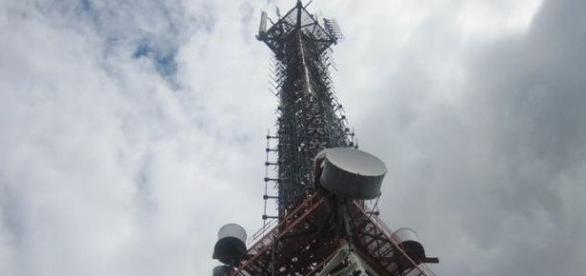 Telecom towers are common sights everywhere credit: www.flickr.com creative commons