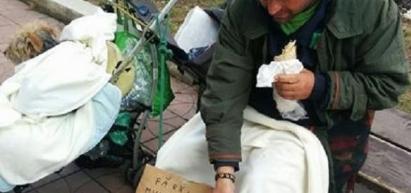 Un italian a ajuns să cerşească în România - foto: vestea.net