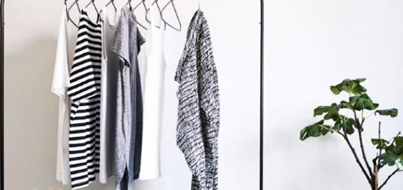 Armário cápsula: saiba como aderir a uma nova gestão de armazenamento das suas roupas