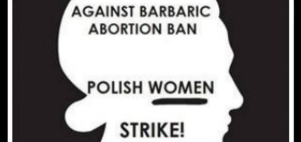 #czarnyprotest 10.000 demostrieren gegen ein Abtreibungsverbot in Polen